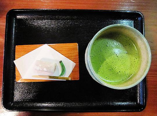 お抹茶(季節のお菓子付き)